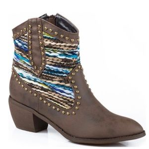 Roper Sweater Short Cowgirl Boots